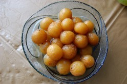 Sweet Indian Dessert: Gulab Jamun Recipe