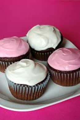 Pink & White Frosted Cupcakes