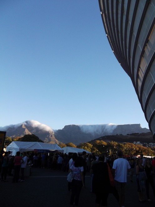 Table Mountain with the 'tablecloth' coming over