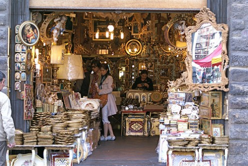 A souvenir shop in Florence. Photo by Hellebardius (flickr)
