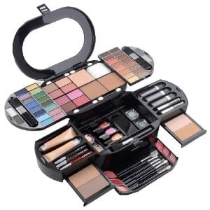 Best Makeup For Teenage Girls To Buy.