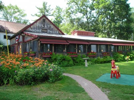 Polly's Pancake Parlor, seasonal in Sugar Hill