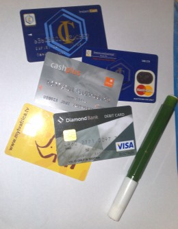 Electronic Cards: The best is yet to come?