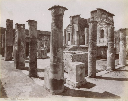 Temple of Isis in Pompeii (photo c. 1870)