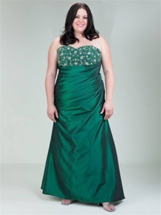Aurora Plus Size Prom Dress 11011 Priced at $258 at cinderellagowns.com Photo credit: cinderellagowns.com