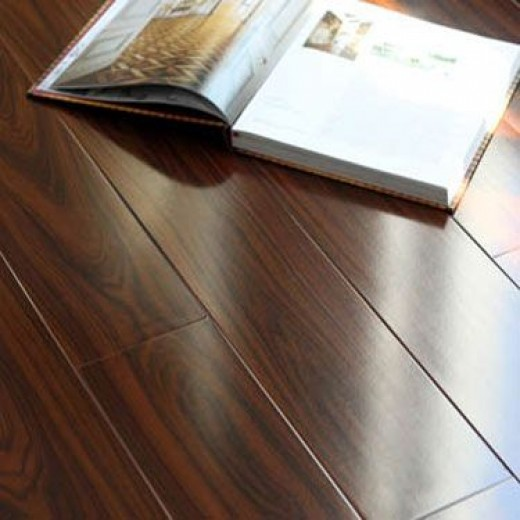 How to select and purchase the right laminate flooring for for Right flooring
