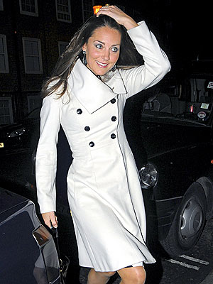 Kate Middleton looking Fabulous in a White Trench Coat