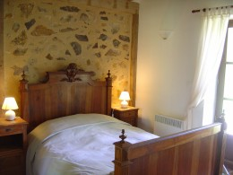 Gite: Double room with French window onto a private garden