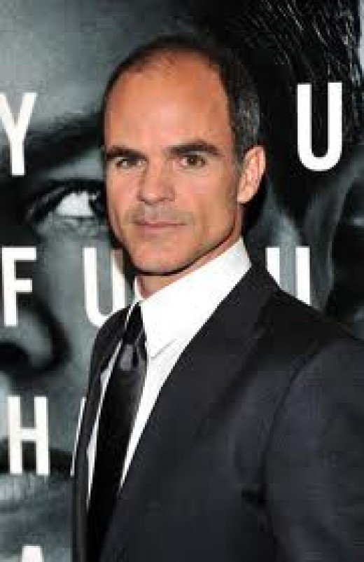 Michael Kelly as Charlie Traynor