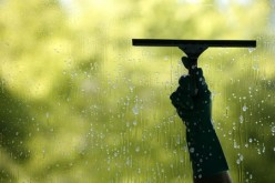 How To Clean Windows - A Simple Guide For Do It Yourself Window Cleaning