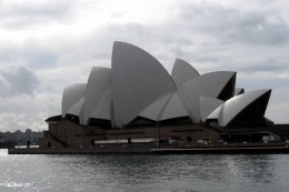 Sydney opera House - picture from bigphoto.com