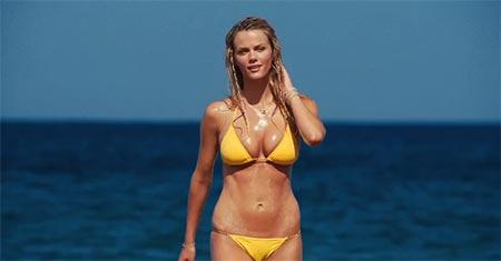 Okay, I think she looks hot in a bikini, so shoot me!