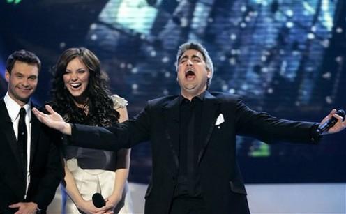 Ryan Seacrest with Season 5 winner Taylor Hicks and runner-up Katharine McPhee