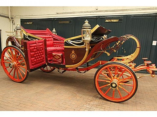 Built for King Eward VII in 1902, the Newlyweds, Prince William (Duke of Cambridge and Duchess Catherine rode to Buckingham Palace in this carriage after the wedding