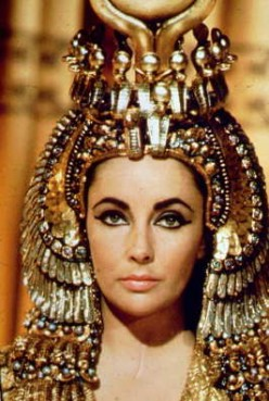 Elizabeth Taylor - A Hollywood Queen and Hollywood Screen Legend