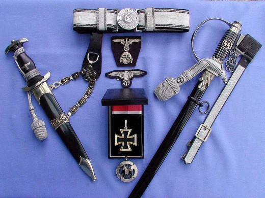 The following image is from the German Dress Dagger site. It is fairly authentic.