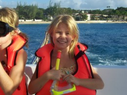 Even kids can snorkle safely
