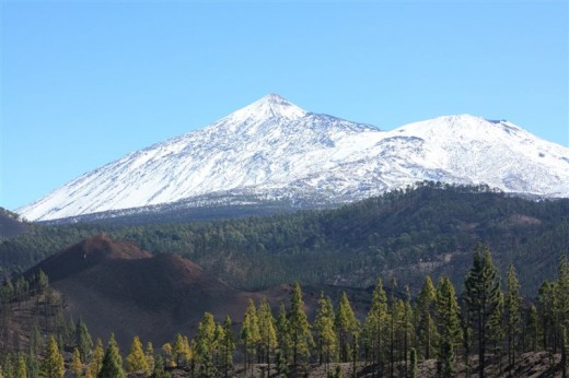 Chinyero vent and Mt Teide in the background