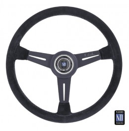 The Nardi Classic steering wheel, featuring suede grip for improved performance.