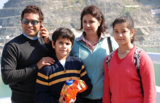 Sachin Tendulkar With Wife Anjali Tendulkar and Kids