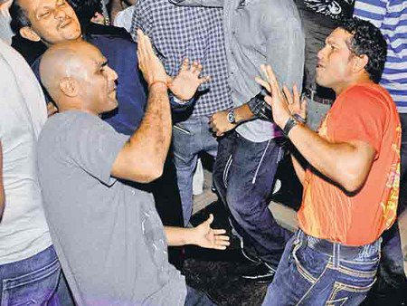 Sachin Tendulkar having a good time!
