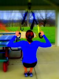 Great example of assisted pullup.