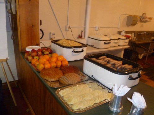 This is the lunch that the Shire of Rokeclif held for an event in Wisconsin in February 2011. Those are homemade sausages I created for the event.