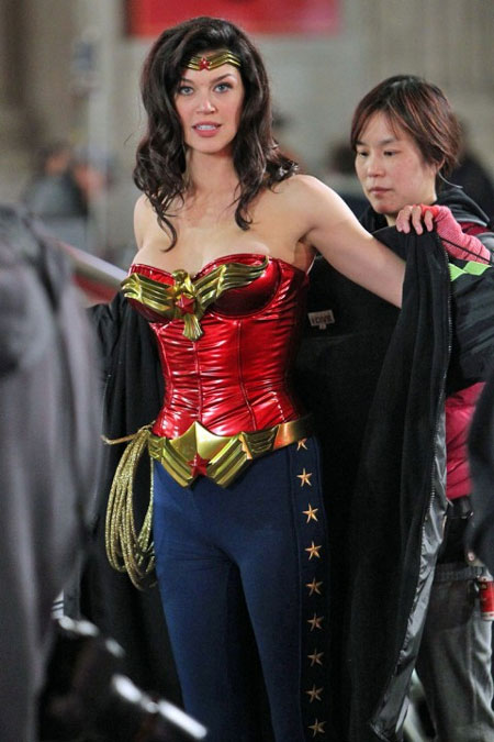 Closer look at the new revised costume for Wonder Woman pilot