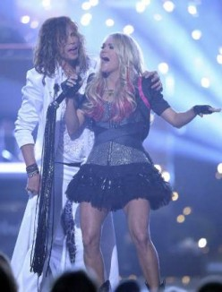 Steven Tyler and Carrie Underwood bring rock to County Music Awards