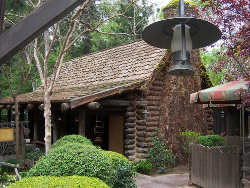 Come on in to the cottage at Big Thunder Mountain Ranch and sit a spell.