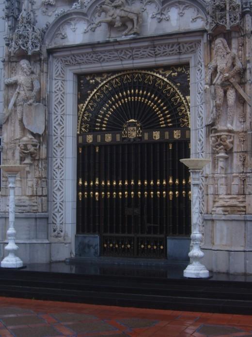Casa Grande Entrance