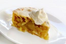 Apple Pie with Cream. Image:  Robyn Mackenzie|Shutterstock.com