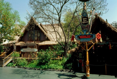 Kikkoman welcomed guests to the exotic Tahitian Terrace (right), located adjacent to the Tiki Room (left).  CC lic: http://bit.ly/wmgij