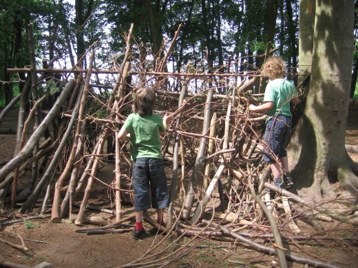 Den building - good, old fashioned fun in the fresh air