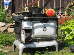 A stove in a yard! - Nonsense