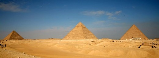 Left to Right - The Pyramids of Menkaure, Khafre and Khufu