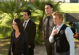 From L to R: Robin Tunney, Tim Kang, Owain Yeoman and Simon Baker