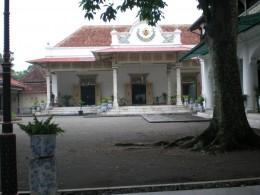 One side  inside Keraton Yogjakarta area.