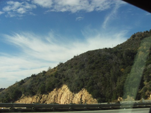 The view of the steep mountains on the way down the Rim.