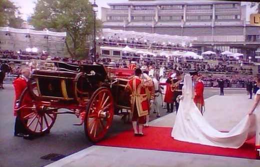 Prince William and Kate Middleton fairytale wedding carriage ride photos