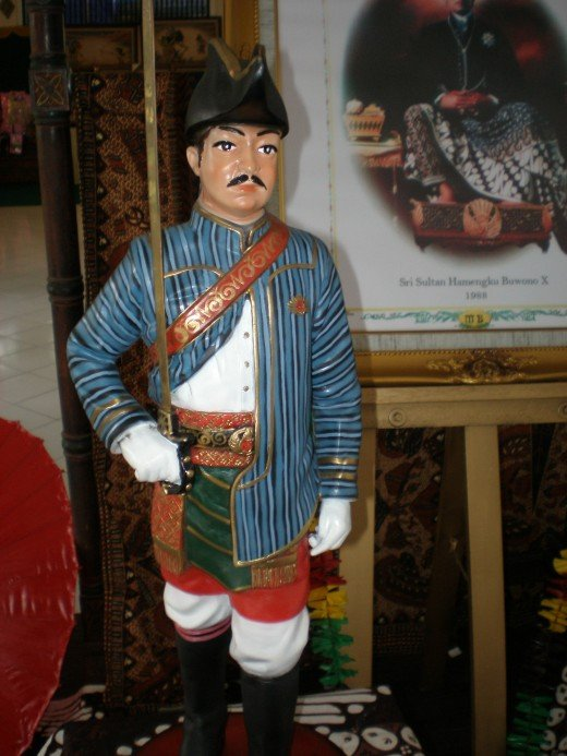 Statue of a Keraton soldier in its ethnic uniform.