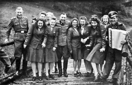 Group of Nazi officers and military personnel