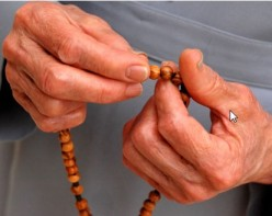 Hilarious, Weird and not so Funny Dating adventures! Part 3: The Prayer Beads Flipper