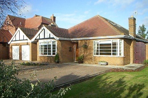 The Gables, Walcott Road,Billinghay Lincoln LN4 4EH For further details go to http://housesale.me.uk