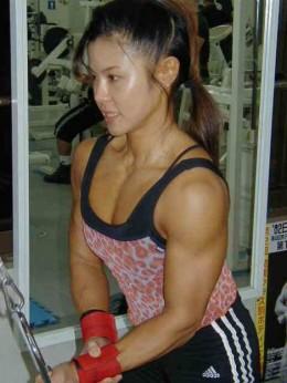 Tomoko Kanda - Asian Female Bodybuilder