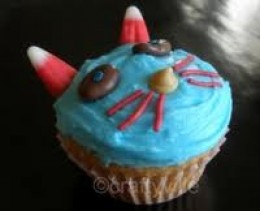 CAT CUPCAKES ARE SO EASY AND FUN TO MAKE!