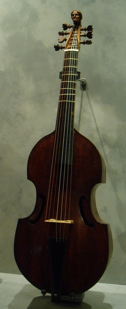 Viola da gamba basso; By DasBee 19:30, 12 September 2007 (UTC) via Wikimedia Commons