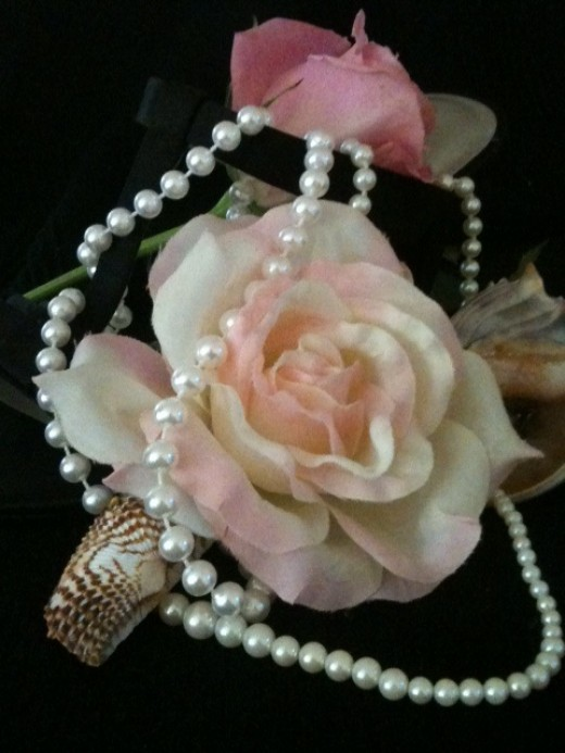One facts about pearls: they are the Birthstone for June.