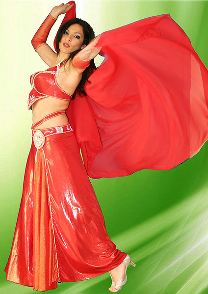 Hayet belly dancer