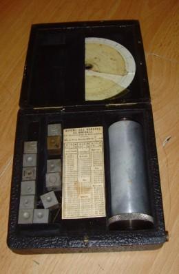 metal measuring device
